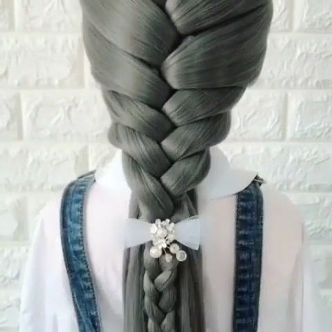 Fashionable hairstyles for the summer are often performed from the usual tail. This styling looks elegant and youth. #longhair