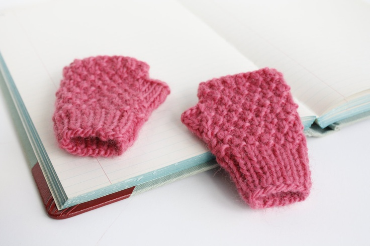 Knitting Pattern Gloves Child : Pin by Betty Hansil on Knitting Pinterest