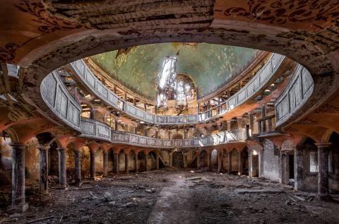Lost Places in Europa: Ballsäle, Kinos und Aufzugschächte - SPIEGEL ONLINE - Nachrichten - Reise