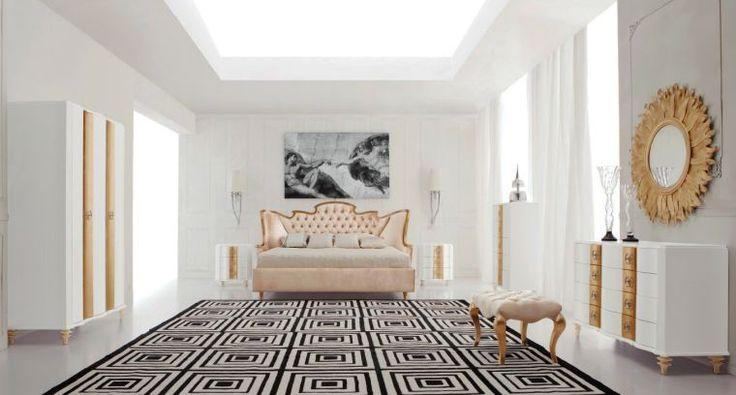 meuble baroque et tabouret de chambre