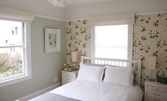 Фотография: Спальня в стиле Кантри, Декор интерьера, Декор дома, обои на одной стене, прием одной стены, акцент одной стены – фото на InMyRoom.ru