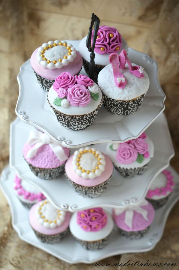 romantic cupcake with roses, shoe and cameo