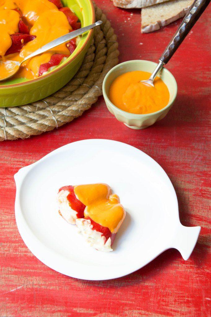 Pimientos del piquillos rellenos de salmón y huevo cocido.  Esta receta es perfecta para comerla en frio