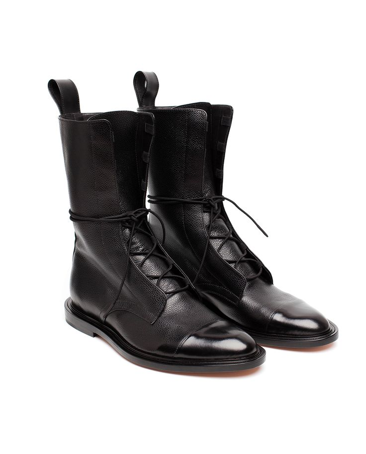 Handcrafted boots are made from textural pebble-grain leather and finished with black glossed toe straps. Heel counter and lining are made from leather. Lace-up boots are handsome and packed with personality.