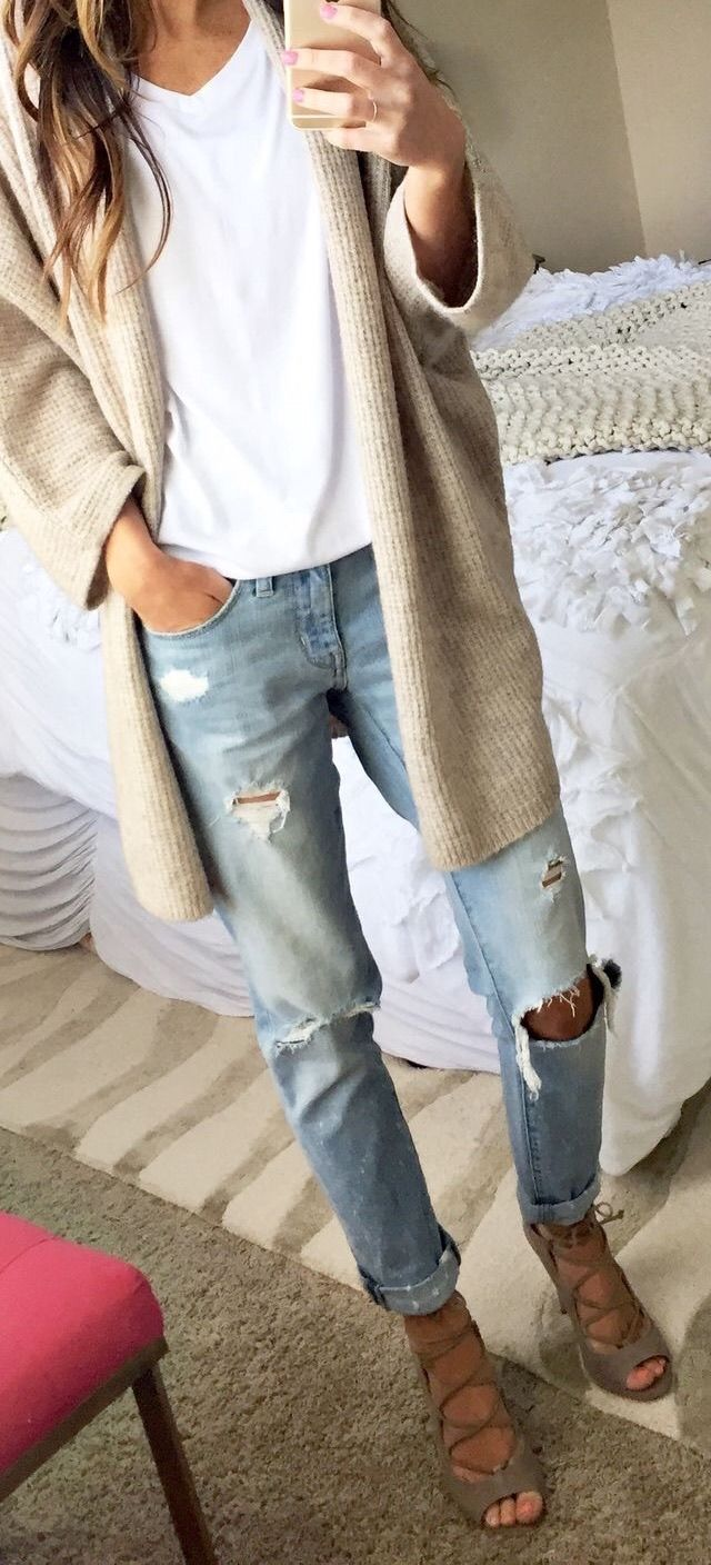 Boyfriend jeans and long cardigan