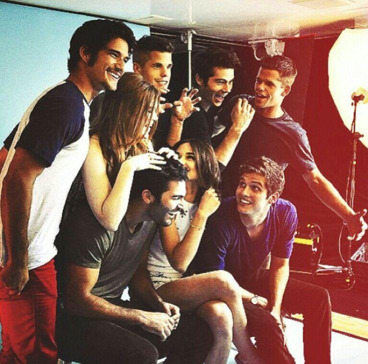 Teen Wolf cast (Tyler Posey | Holland Roden | Dylan O'Brien | Daniel Sharman | Crystal Reed | Charlie Carver | Max Carver | Tyler Hoechlin)