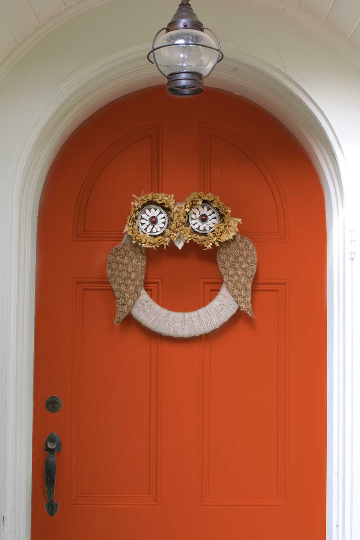 17 best ideas about owl wreaths on pinterest fall door wreaths fall owl and wreaths for front - Interesting diy halloween wreaths home ...