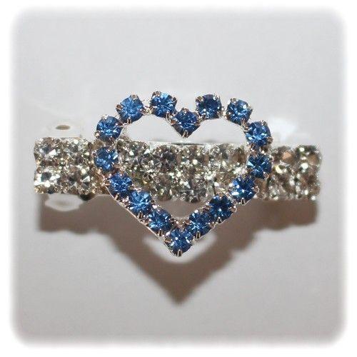Barrette Strass Heart bleu https://www.cupofdog.fr/accessoire-soin-chihuahua-petit-chien-xsl-245.html