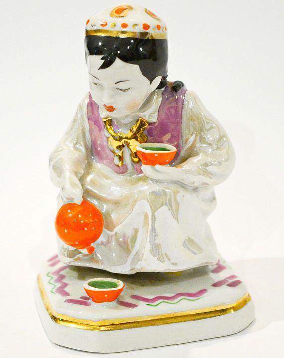 Figurine Uzbek Girl with tea pot ussr. ussr porcelain