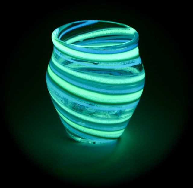 glow in the dark mason jars crafts | the Glue and Glitter and Epsom Salt is OPTIONAL