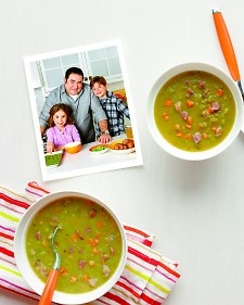 Split Pea Soup With Ham, Bay Leaves, Epazote And Red Bell Pepper (or ...