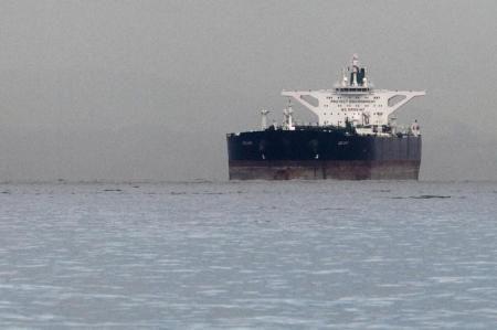 KIBLAT.NET, Teheran - Pemerintah Iran menjual minyak mentah jauh lebih rendah dari rata-rata harga minyak terendah yang dijual Arab Saudi sejak 2008.