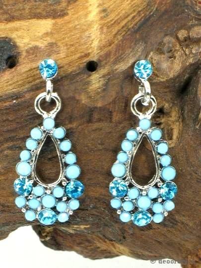 Blauwe oorbellen met kraaltjes en strass (steker) voor maar 3,45 per paar bij oorbellen webshop Deoorbel.nl