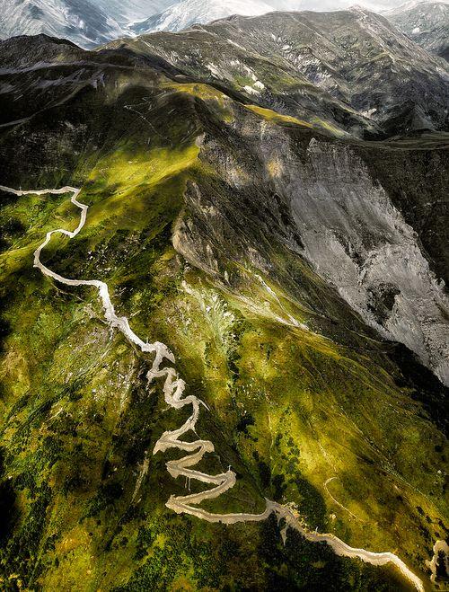 travelingcolors:    Mountains of Svaneti | Georgia(by roken-roliko)