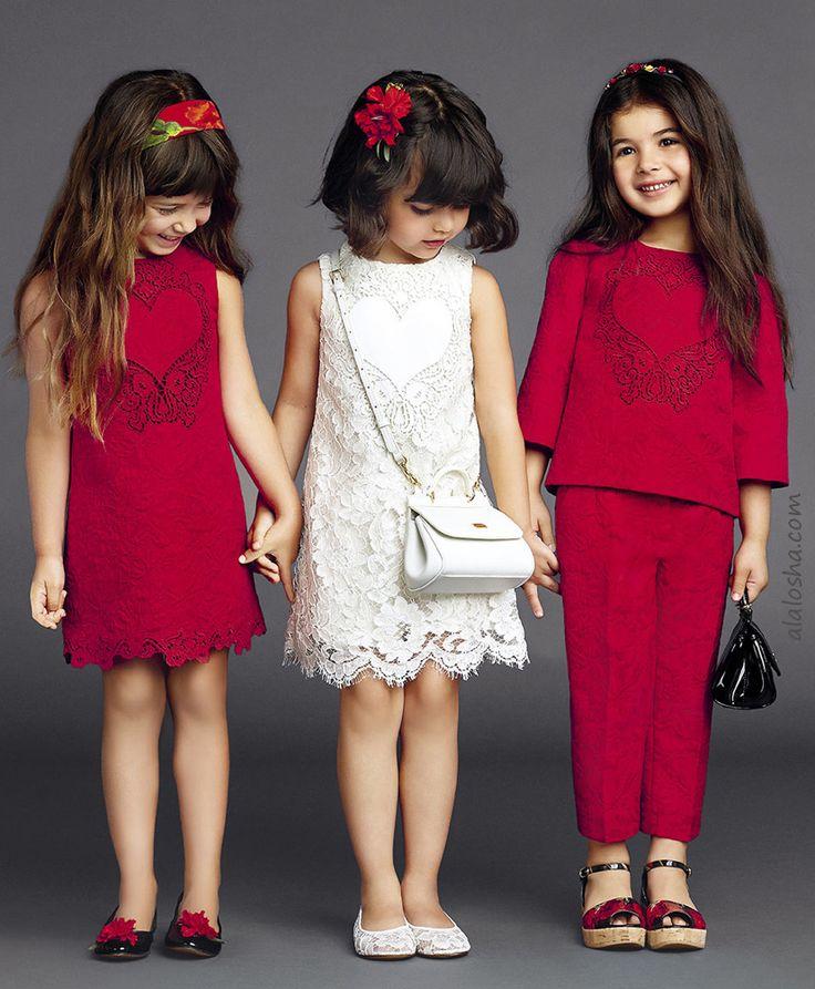 ALALOSHA: VOGUE ENFANTS: Must Have del día: pequeños modelos de Dolce & Gabbana mantener soleada en la ES15 mirada de lujo