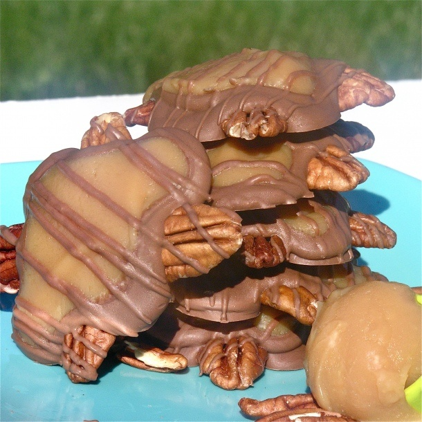 Homemade Caramel Turtles Recipe ~ Soft creamy caramel tops chocolate and pecans– a yummy, quick and easy treat