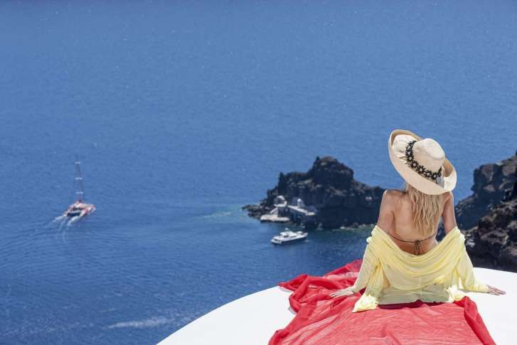 #Relaxation with an amazing #volanic view of #Santorini! #AndronisExperience #Greece