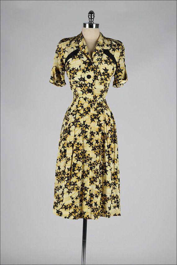 vintage 1940s dress . black yellow rayon . by millstreetvintage