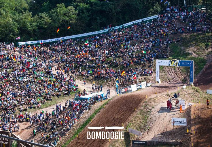 Last week-end France flown over Maggiora Park. For the third consecutive year, France won Nation Cross defeating the Netherlands and the United States. Tony Cairoli, Samuele Bernardini e Michele Cervellin, who composed the Italian team, competed with honor and finished up in 5th overall.