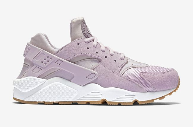 Bleached Lilac is giving me allllllll the feels | Nike Air Huarache Easter  Pack 2016 |