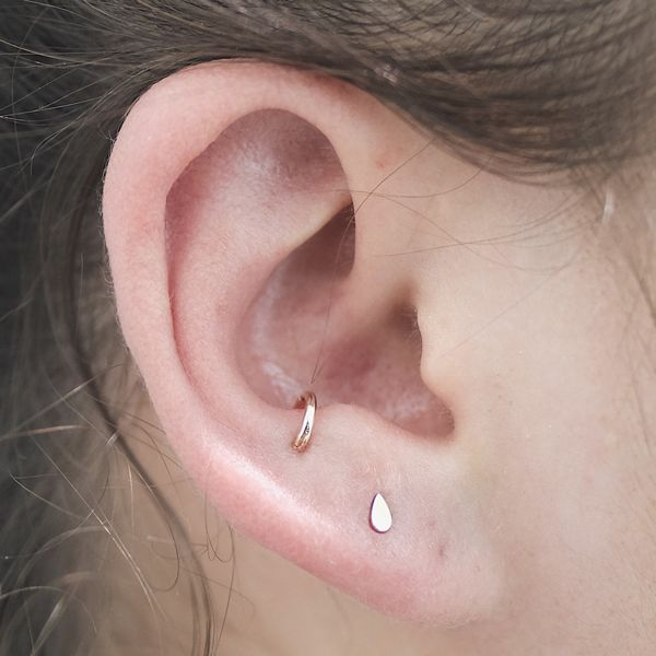 Anti tragus - The Coolest Piercings New York Girls Are Getting Right Now #refinery29