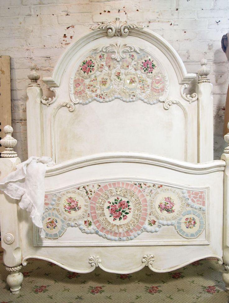 Shabby Chic Mosaic Bed                                                                                                                                                                                 Mais