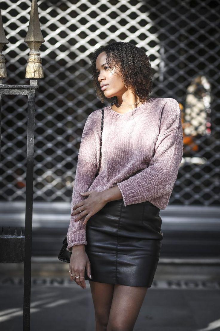 Fall [in love] - @odetowomen #leatherskirt #pinkpullover #Paris #shooting
