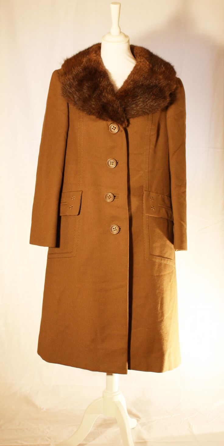 Boardwalk Empire, 1920's gentlemen coat, real fur collar