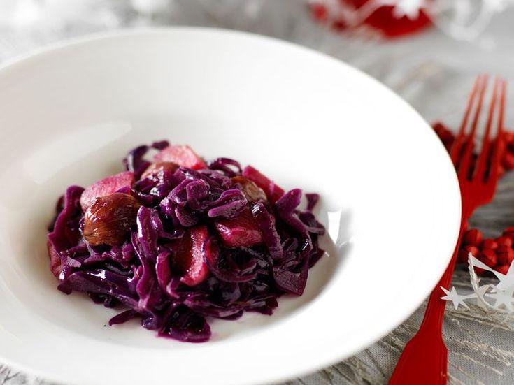 Salade de chou rouge cru aux châtaignes et pommes