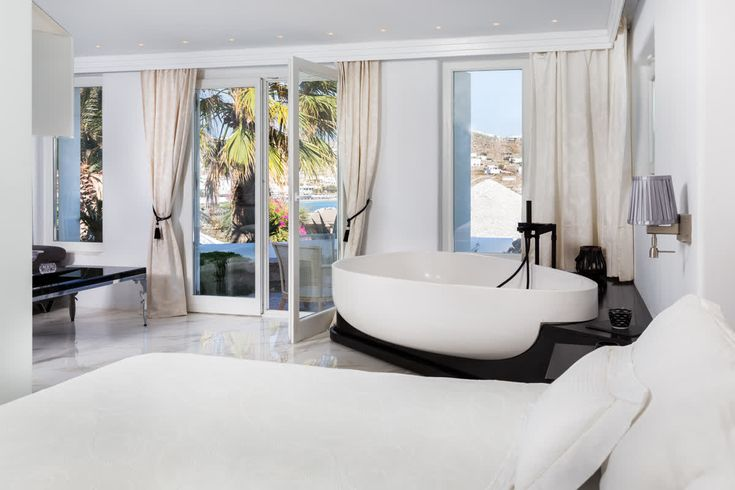 Naturally 'a room with a view'! But what a room and what a view! #kivotosmykonos #KivotosSignatureSuite #luxuryhotels #luxurytravel #mykonos #summer http://qoo.ly/fy4cs
