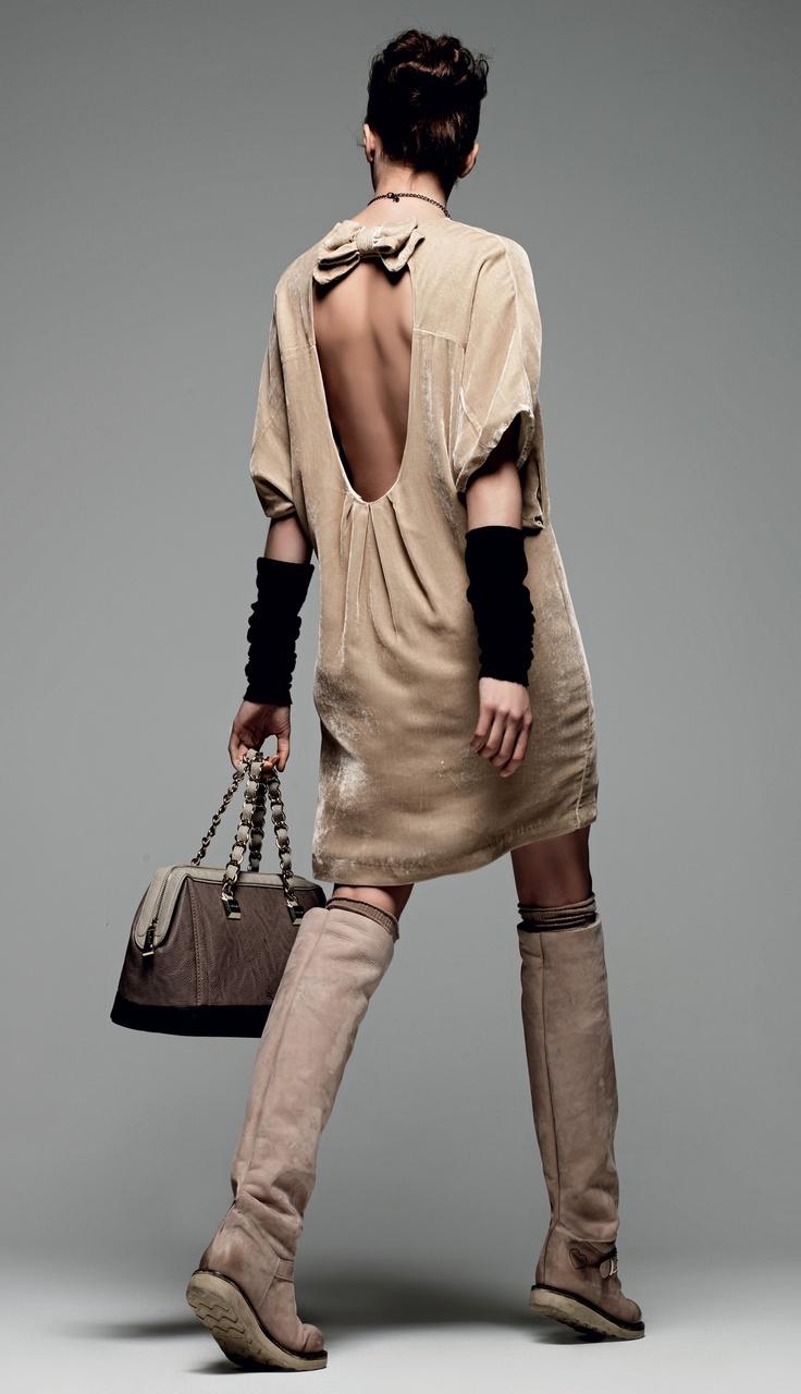 "TWIN-SET Simona Barbieri: ""Sweet Luxury"": Velvet dress and biker boot high suede leg with eco-sheepskin."