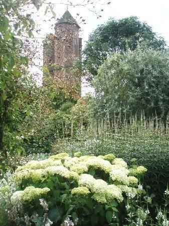 Sissinghurst's white garden