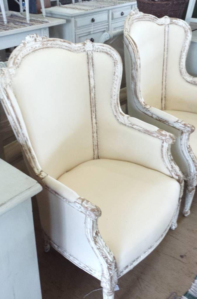 Busca imágenes de diseños de Salas estilo clásico}: Sofá francés estilo Luis XV. Encuentra las mejores fotos para inspirarte y y crear el hogar de tus sueños.