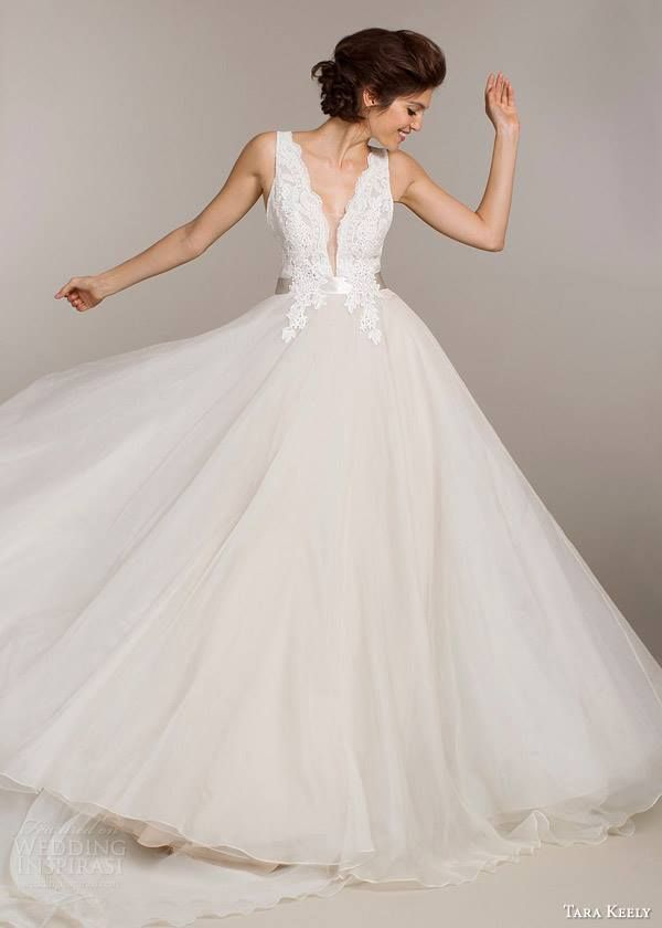 "weddinginspirasi: ""Tara Keely Wedding Dress Spring Bridal 2015 Collection La Mariée en Colère - Galerie d'inspiration, mariée, bride, mariage, wedding, robe mariée, wedding dress, white, blanc, robe de mariée, www.lamarieeencolere.com """