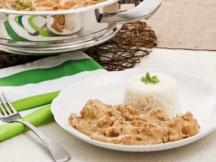 Want to make an awesome supper in two ticks? Then Nutty chicken casserole is a must try!