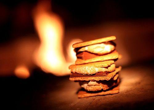Smores: Fall Campfires, Autumn Campfires, Smore Campfires, Outdoor Fire, Campfires S More, Campfires Recipes, Campfires Smore, Summer Night, Fire Pit