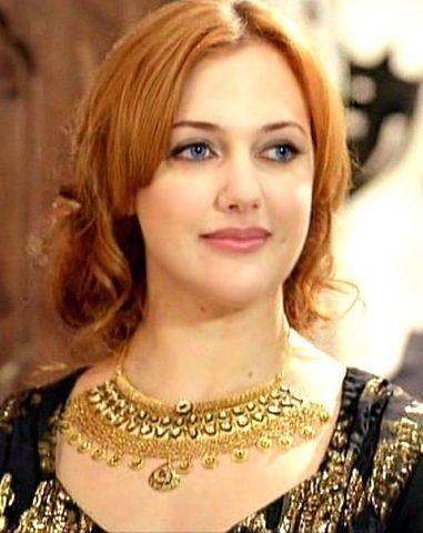 vv_kosemХасеки Хюррем Султан Хазретлери - законная жена Султана Сулеймана и мать его 5 детей.