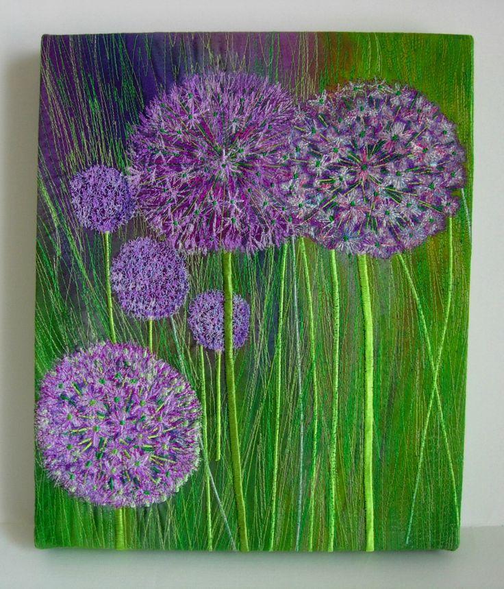 Flores de color Alliums - Lila bordada arte textil único colgante de pared de nickyperryman en Etsy https://www.etsy.com/es/listing/125374377/flores-de-color-alliums-lila-bordada