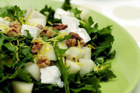 Σαλάτα με κατσικίσιο τυρί, αχλάδι και καρύδι - Συνταγές | γαστρονόμος