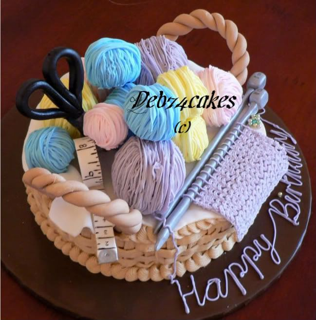 Knitting cake - I can see how to make everything here except the garter stitch. How'd she do that? That is awesome.