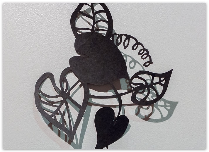Lonnie Hutchinson via http://www.artsdiary.co.nz/bt30/923/5.html