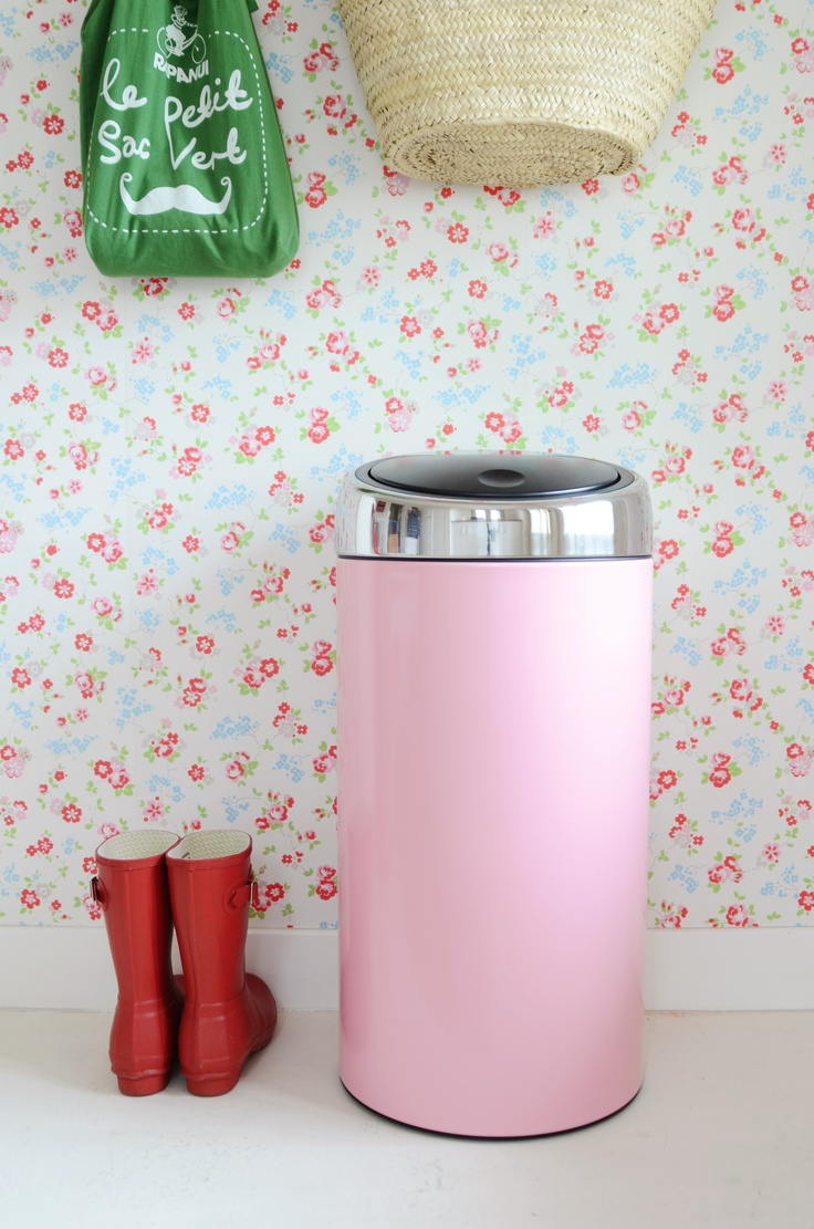 a pink 50l brabantia touch bin loveisintheair via. Black Bedroom Furniture Sets. Home Design Ideas