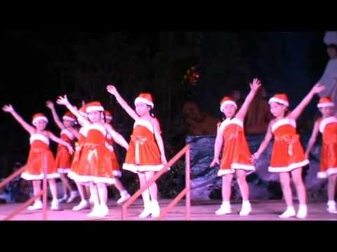 múa jingle bell 2011 - giáo xứ Tân Định - YouTube