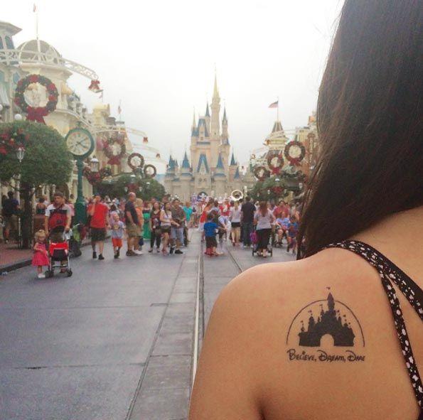 Les 25 meilleures id es concernant tatouage de ch teau for Disney world tattoos