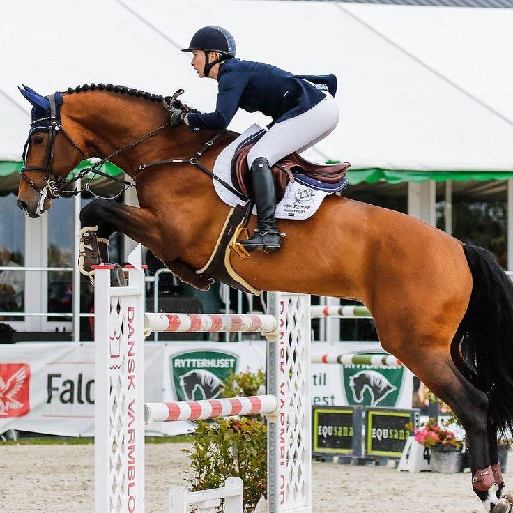 Jennifer Kathrine Fogh Pedersen jumping high! #tucciboots #tuccilovers #tuccicrew