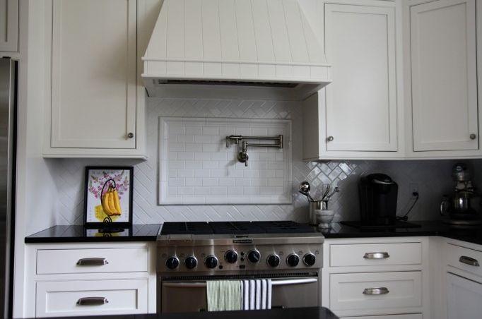ikea white 7: Backsplash Tile, White Ikea Kitchens, Subway Tile, Kitchens Backsplash, Ikea Cabinets, Fat Hydrangeas, Classic White Kitchens, Black Counter, Ikea Kitchens Cabinets