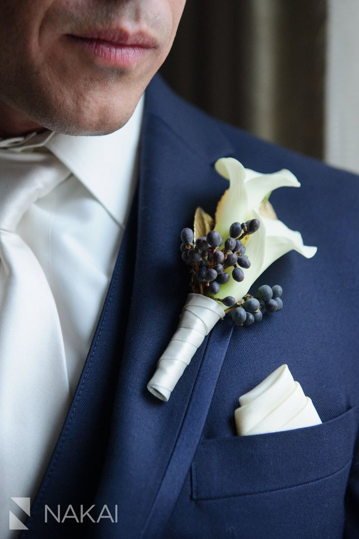 Photography: Kenny Nakai Floral Design: Vale of Enna Chicago Waldorf Winter Wedding