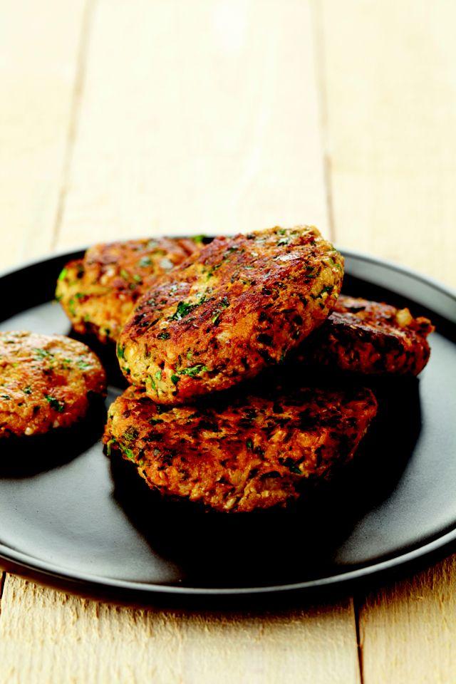 Zin in deze sojaburgers met verse kruiden? Het snelle en gemakkelijke recept uit het boek 'Veggie voor starters' zie je hier www.wpg.be/dagenzondervlees5
