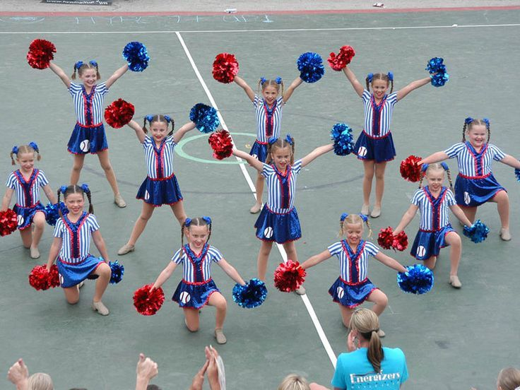 Fair Grove Cheerleaders: Triangle formation | Cheer Formations ...