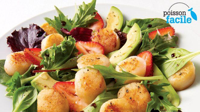 Salade de pétoncles au balsamique | Recettes IGA | Fruits de mer, Fraises, Recette rapide